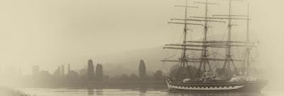 Le Kruzenshtern remonte la Seine le 5 juin 2013 pour rejoindre l'Armada