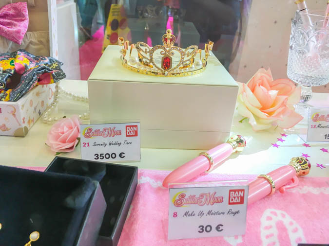 Sailor Moon gashapon tranformation pen and moon tiara