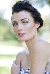 Lyne Renee