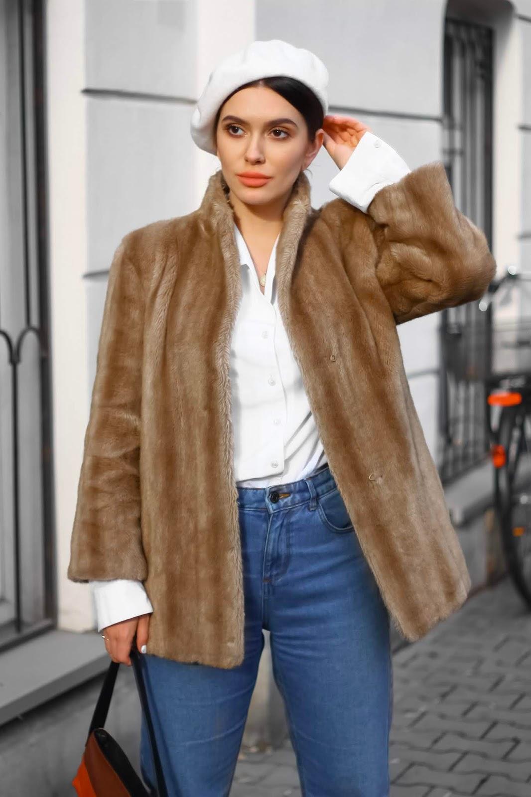 biały beret stylizacja, jak nosić beret