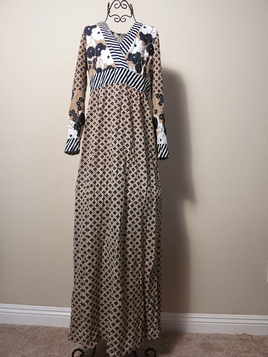 [SALE} Vintage Shelly's Tall Girl Maxi Dress