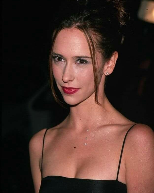 Jennifer Love Hewitt Hot Photo Gallery