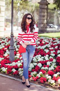 Cómo combinar un jersey de rayas rojas