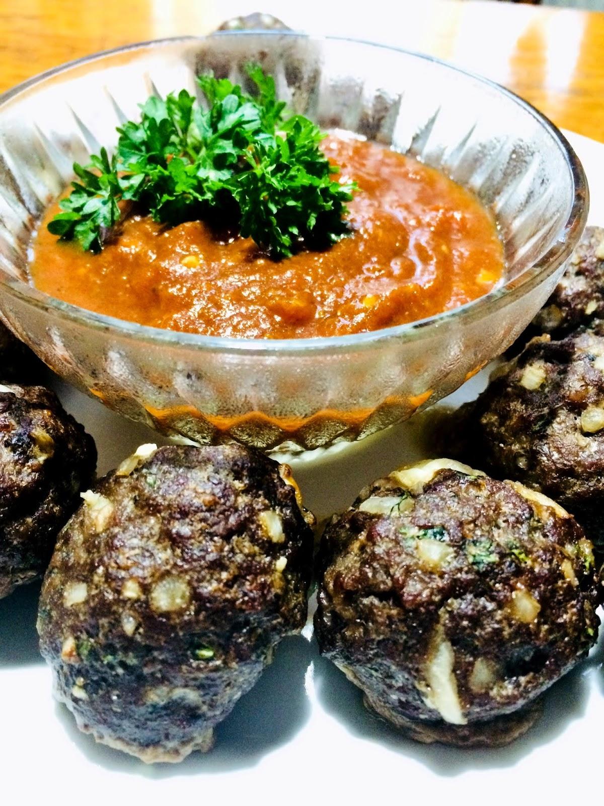 Chifteluțe la cuptor, umplute cu mozzarella