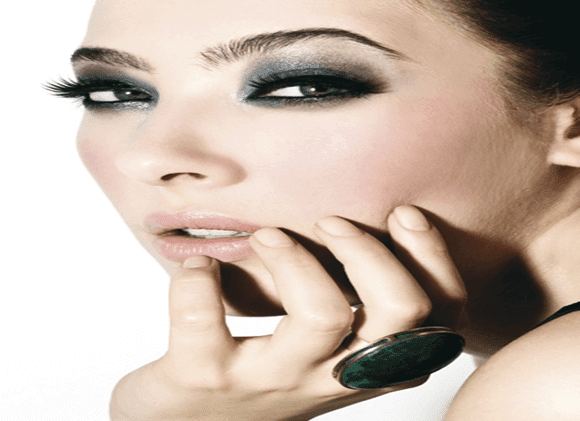 Maquiagens-agressiva-de-Smokey-Eyes