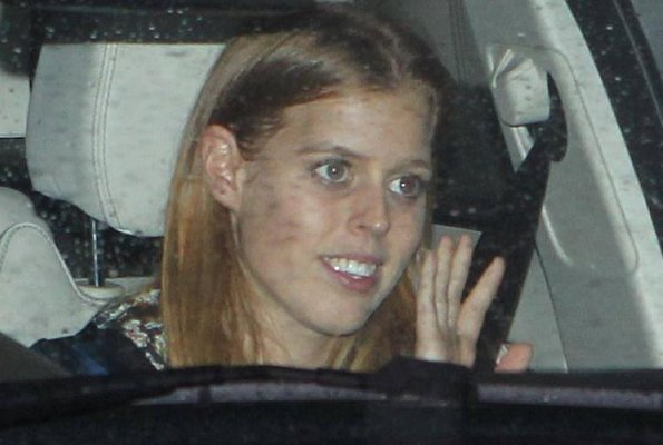 Princess Beatrice wearing a floral dress. Princess Eugenie. pregnant Kate was seen today arriving at Buckingham Palace