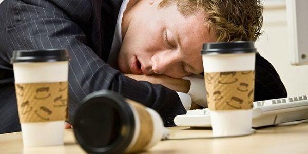 ¿Por qué tomando café a diario puedes llegar a tener sueño, sentirte cansado y sin energía?
