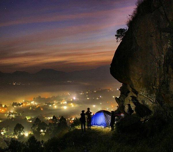 Wisata Bandung Barat Gunung Batu, Lembang