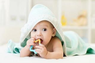 Tahap Perkembangan Bayi 2 Bulan