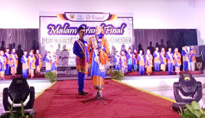 malam grand final,dhea dan dhiga