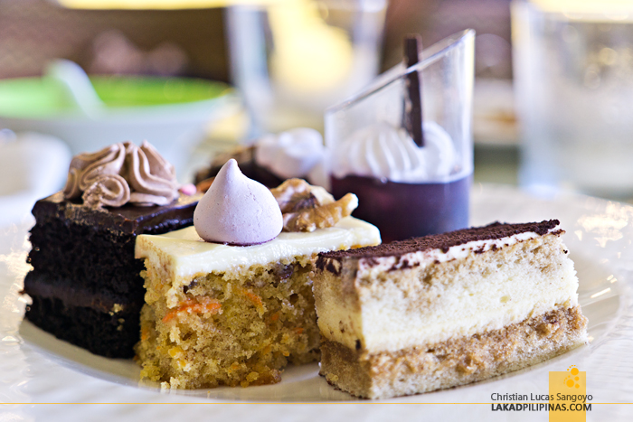 Taal Vista Hotel Veranda Restaurant Cakes