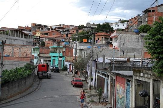 bairro-ruim-na-região-metropolitana-de-sao-paulo