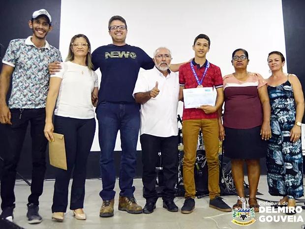 Aluno do Distrito Sinimbu  em Delmiro Gouveia é medalhista na Olimpíada brasileira de matemática