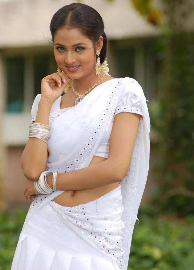 Saree Navel: Hot Saree Photos