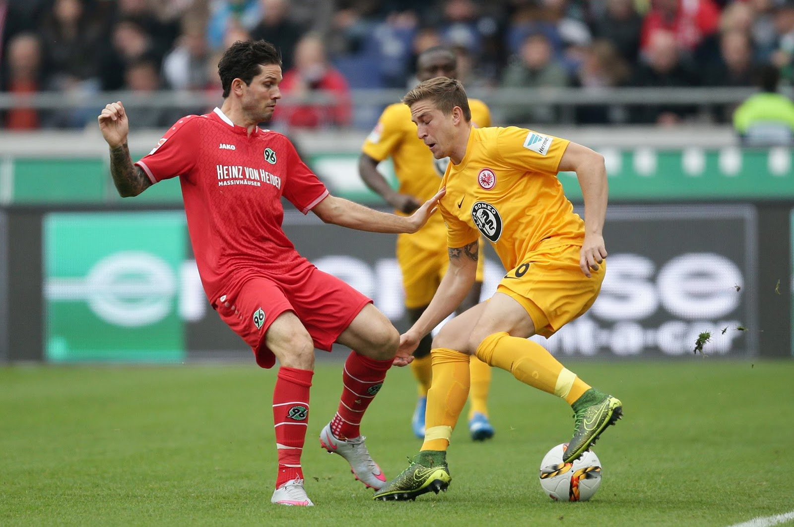 Eintracht Frankfurt Trikot Gelb