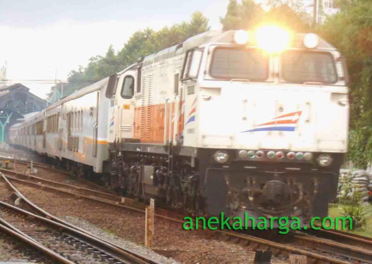 Kereta Api Eksekutif Bangunkarta