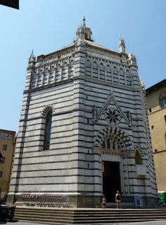 Battisterio di San Giovanni in Corte, Pistoia.