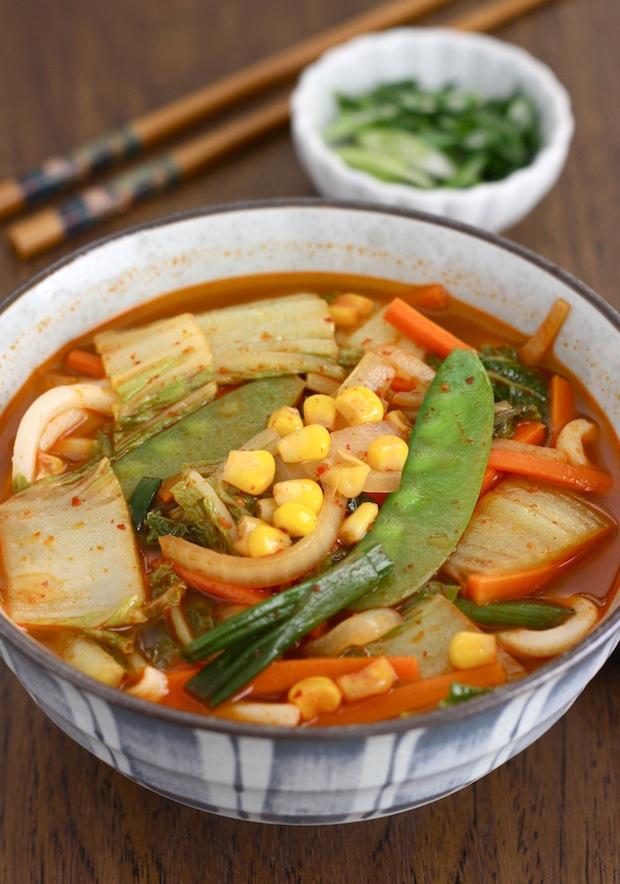 Korean-Chinese Spicy Veggie Noodle Soup (Vegetarian ...