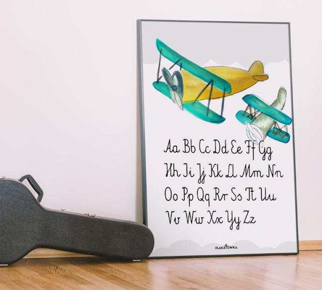 akwarelowe plakaty z pisanym alfabetem do pobrania za darmo