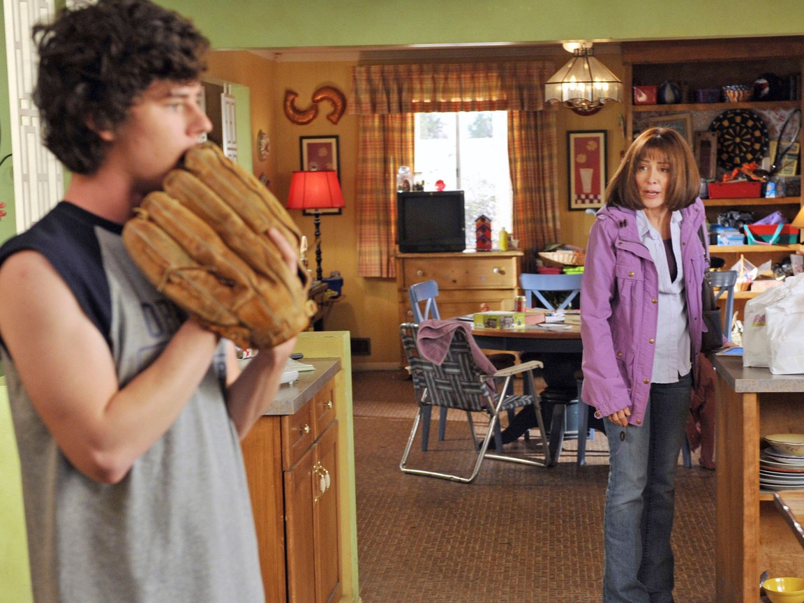 The Middle - Season 3 Episode 20: Get Your Business Done