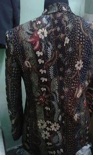 Lengan blaser batik