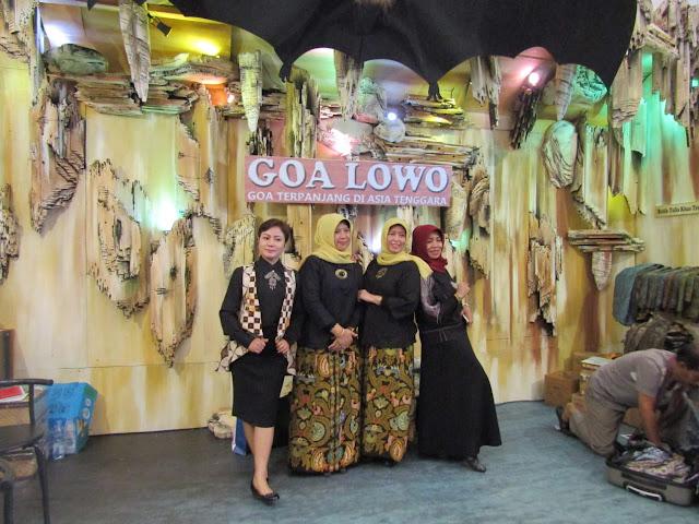 Jadi Spot Swafoto, Banyak Pengunjung Jatim Fair 2018 Penasaran dengan Goa Lawa