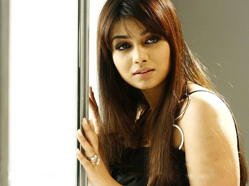 Ayesha Takia Latest Unseen Sexy Photos And Wallpapers
