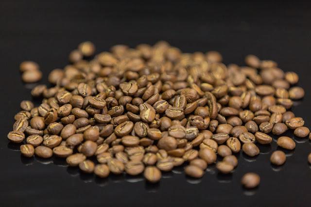 Kaffeebohnen frisch geroestet