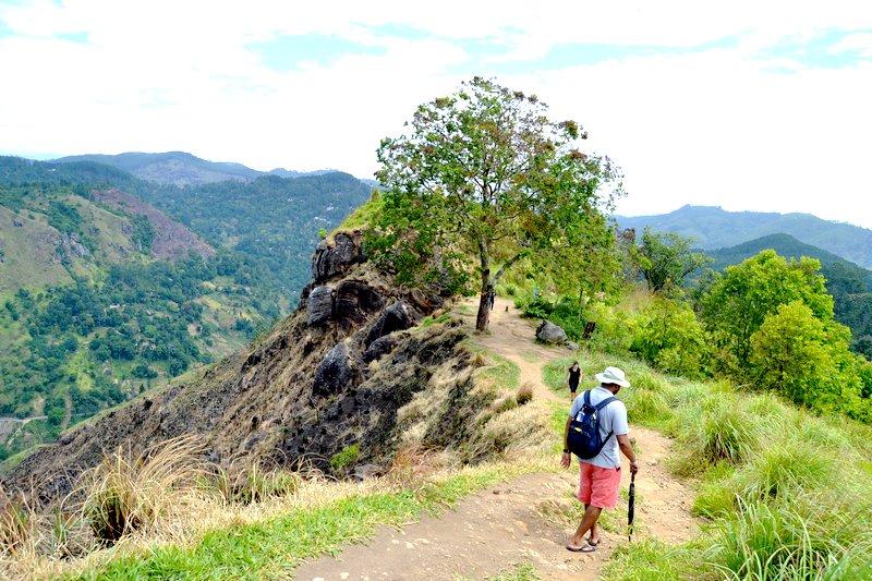 Little Adams Peak sri lanka hike
