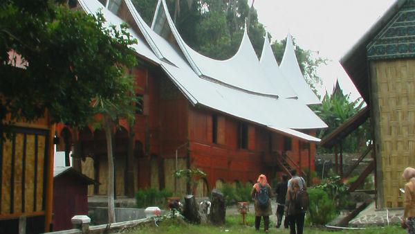 rumah gadang siti fatimah nagari sumpur