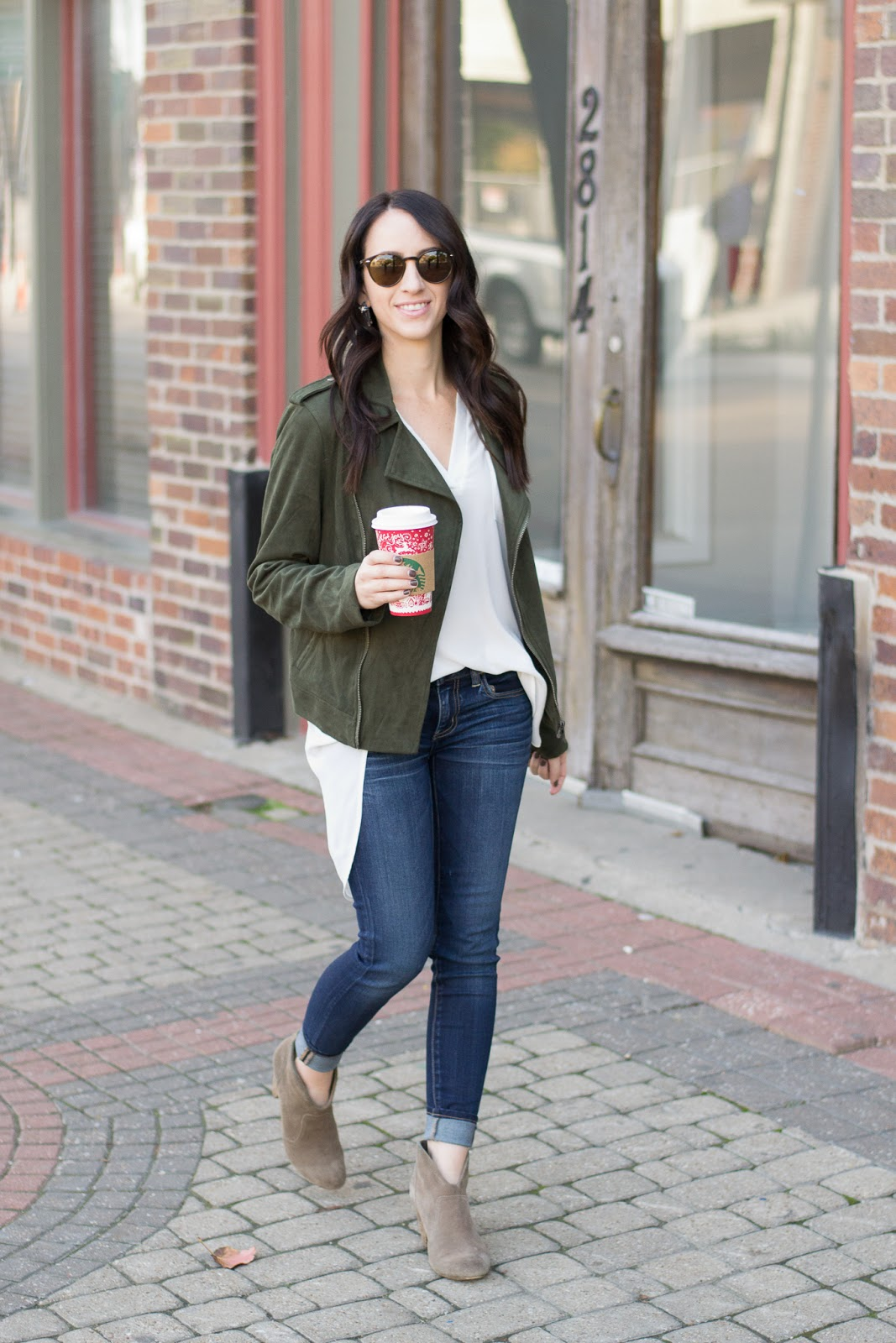 Casual Fall Style in skinny jeans, booties and moto jacket