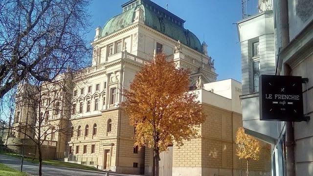Divadla v Plzni na portálu plzen.cz Divadlo J.K. Tyla v Plzni