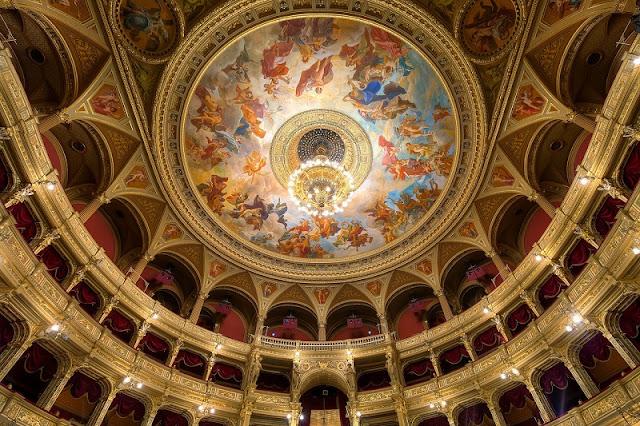 Visita à Casa de Ópera de Budapeste