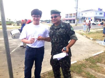 Com emoção e patriotismo, jovens da ilha prestaram Juramento à Bandeira na manhã de quinta 21/09