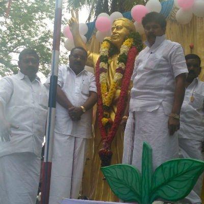 மறைந்த முதல்வர் ஜெயலலிதாவுக்கு புதுச்சேரியில் சிலை