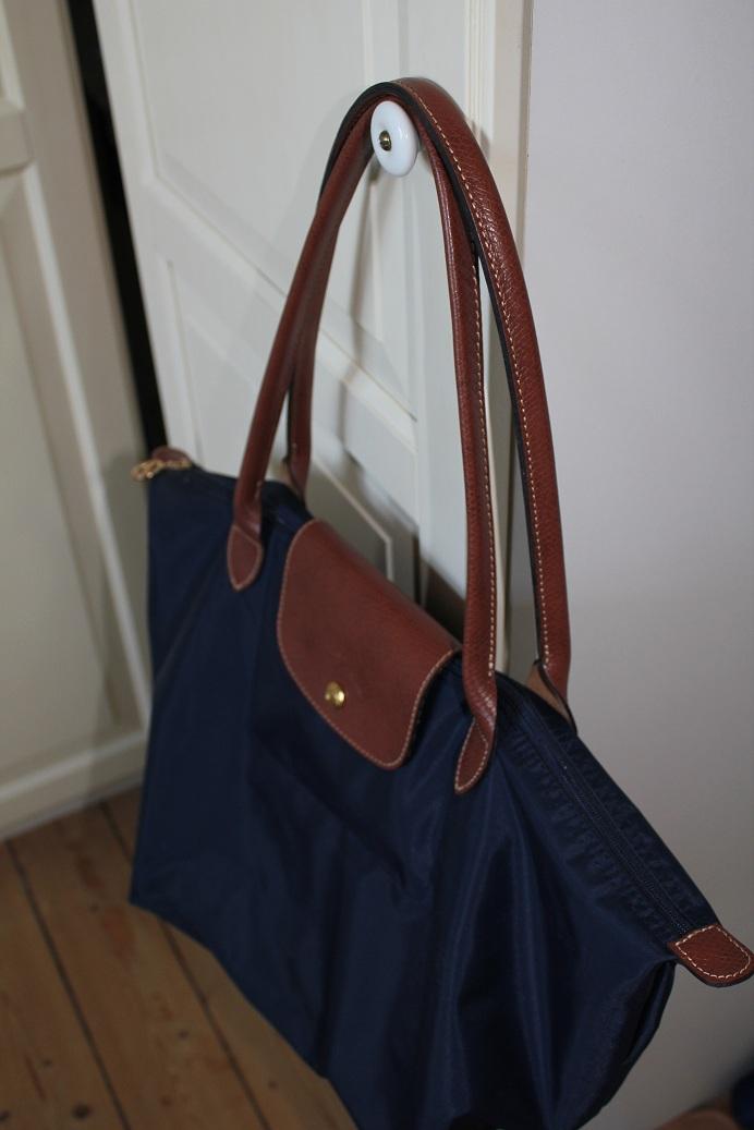 longchamp planetes navy longchamp leather bag price longchamp le ... b9cf48220eb1f