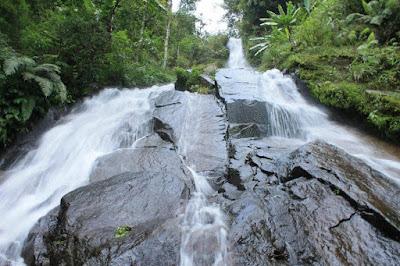 wisata air terjun desa setren girimanik kabupaten wonogiri Jawa tengah Indonesia wisataarea.com