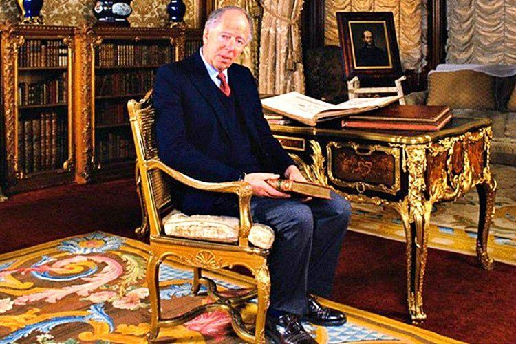 Günümüzde Rothschild ailesinin yüzü olan Jacob Rothschild'tır.