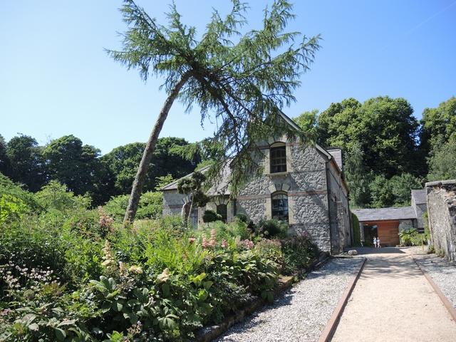 June Blake's Garden Einfahrt