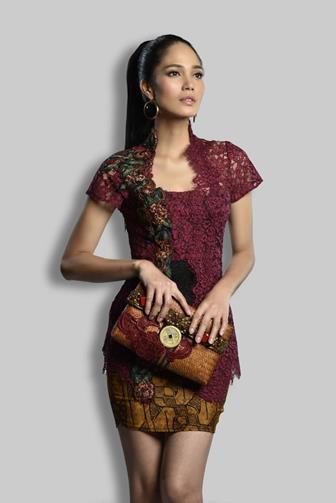 Model Baju Batik Kombinasi Brokat Yang Kekinian