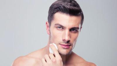 Cara Tepat Membersihkan Kulit Wajah Pria yang Berminyak