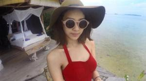 Foto Anya Geraldine bikini merah