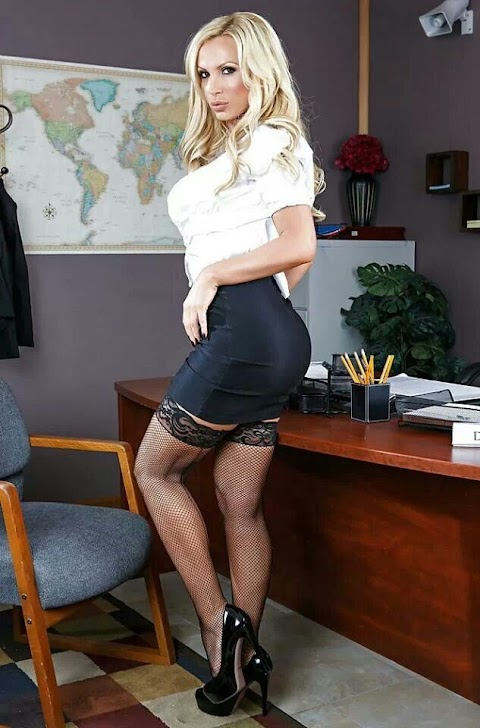 Sexy Office Babes images (#Hot 2020)