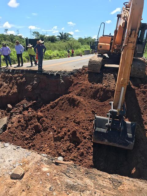 Cratera de 9 metros na BR 364 deixa Rondônia, Acre, Amazonas e Mato Grosso isolados; ponte desmoronou
