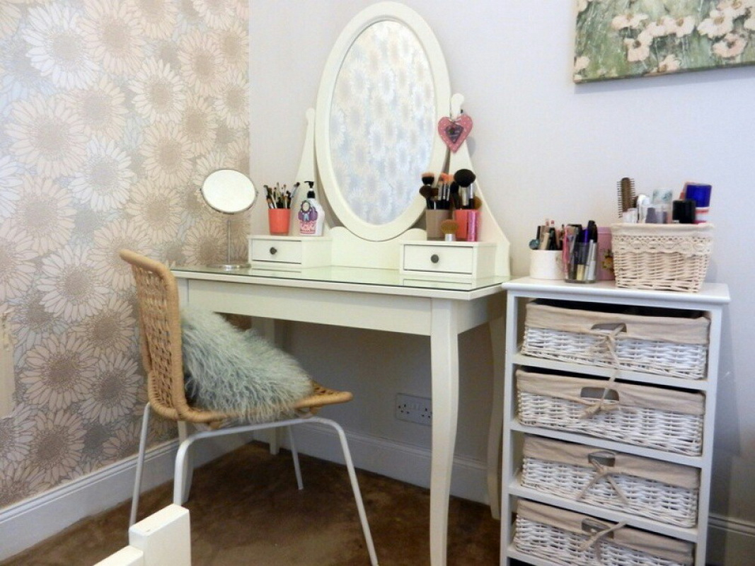 the best ikea dressing table designs and ideas 2019. Black Bedroom Furniture Sets. Home Design Ideas