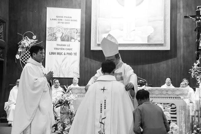 Lễ truyền chức Phó tế và Linh mục tại Giáo phận Lạng Sơn Cao Bằng 27.12.2017 - Ảnh minh hoạ 158