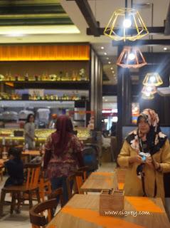 Mencicipi Makan Zaman Now di Yumzaa Transmart Graha Raya Tangsel