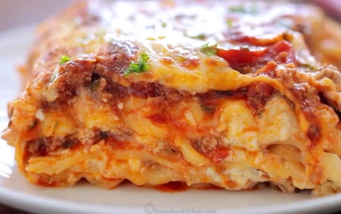 cheese lasagna saucy, beefy and cheesy