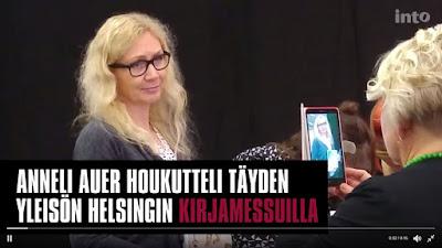 Kuva: Intokustannuksen video - Anneli Auer ja Murhalesken muistelmat houkutteli yleisöä