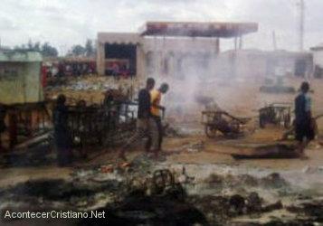 Radicales islámicos de  Boko Haram.queman tres iglesias en Nigeria